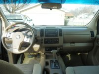 Picture of 2005 Nissan Frontier 4 Dr LE 4WD King Cab SB, interior