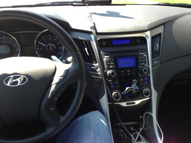 Picture of 2011 Hyundai Sonata 2.0T SE, interior
