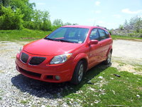 2005 Pontiac Vibe Base AWD picture - With black grill panels., exterior