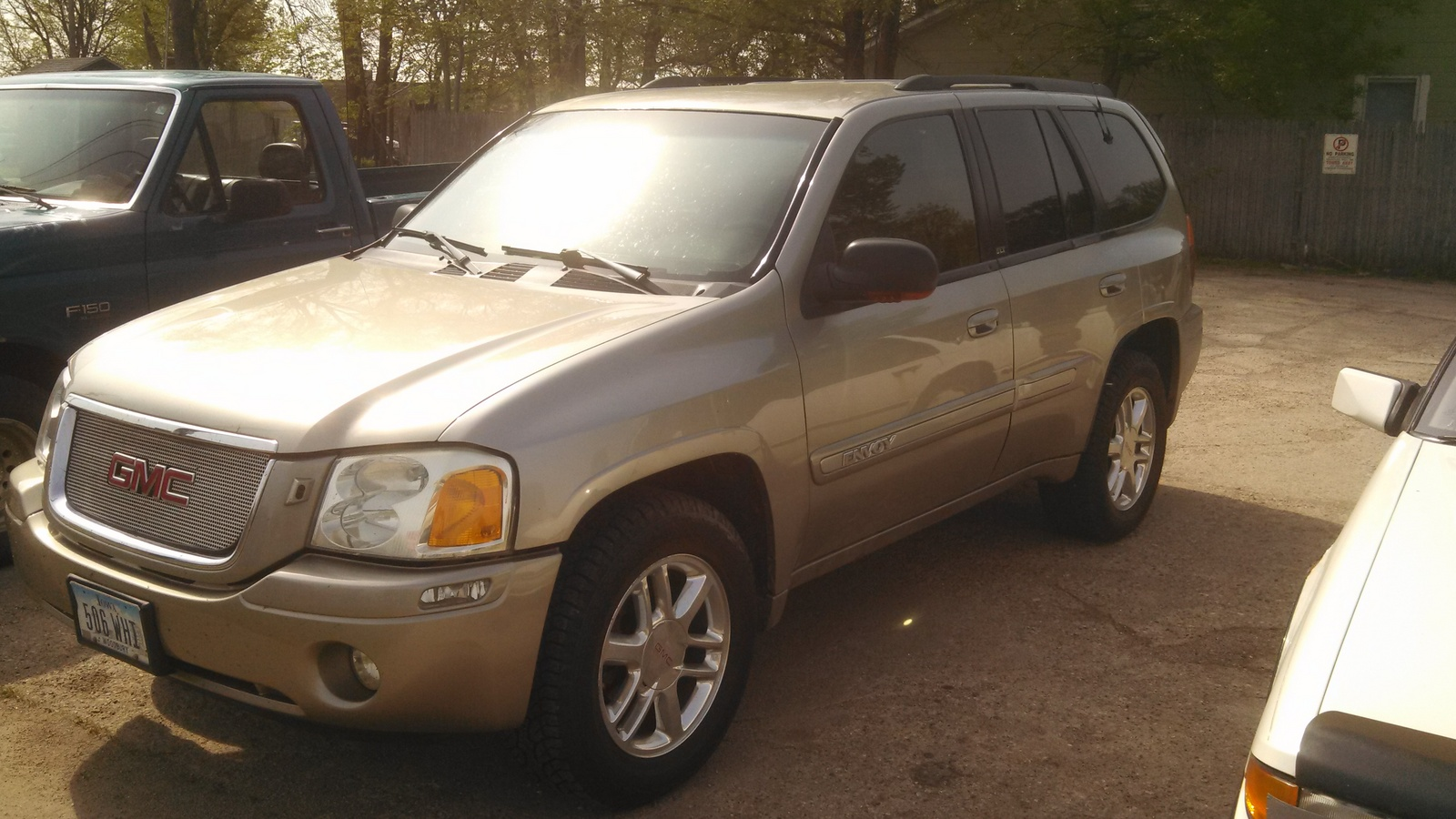 Picture of 2003 GMC Envoy 4 Dr SLT 4WD SUV