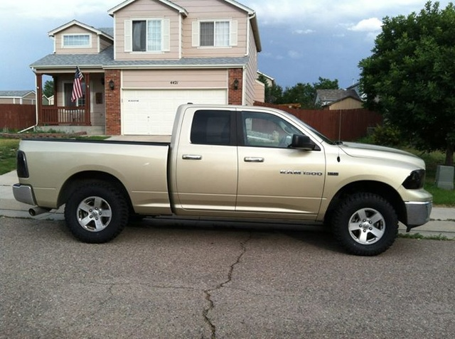 Picture of 2011 RAM 1500 ST Quad Cab 4WD, exterior, gallery_worthy