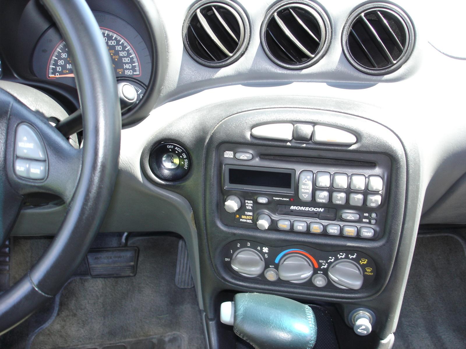 2001 Pontiac Grand Am Interior