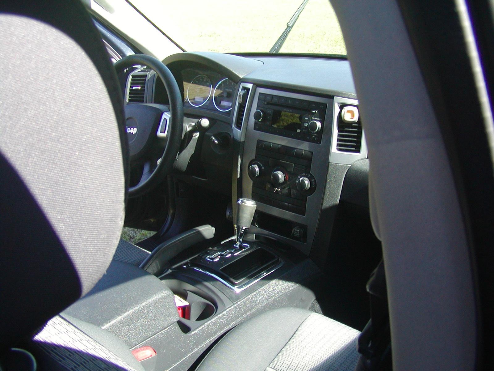 2008 jeep grand cherokee interior pictures cargurus for 2008 jeep grand cherokee interior