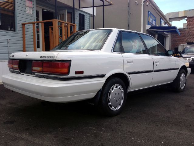 picture of 1991 toyota camry dx awd