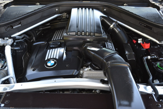 Three Different Gas Engines And A Diesel Engine Power The Four X5 Trims.  The Entry Level XDrive30i Comes Equipped With A 3.0 Liter, DOHC  Six Cylinder Engine ...