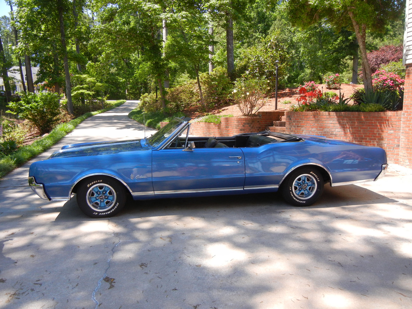 1976 Buick Skyhawk furthermore 1976 Oldsmobile Ni y Eight Overview C9025 as well 1969 Oldsmobile Toronado likewise 1967 Oldsmobile Cutlass Supreme Overview C8814 also Olds Cutlass S History Timeline. on 1977 oldsmobile starfire