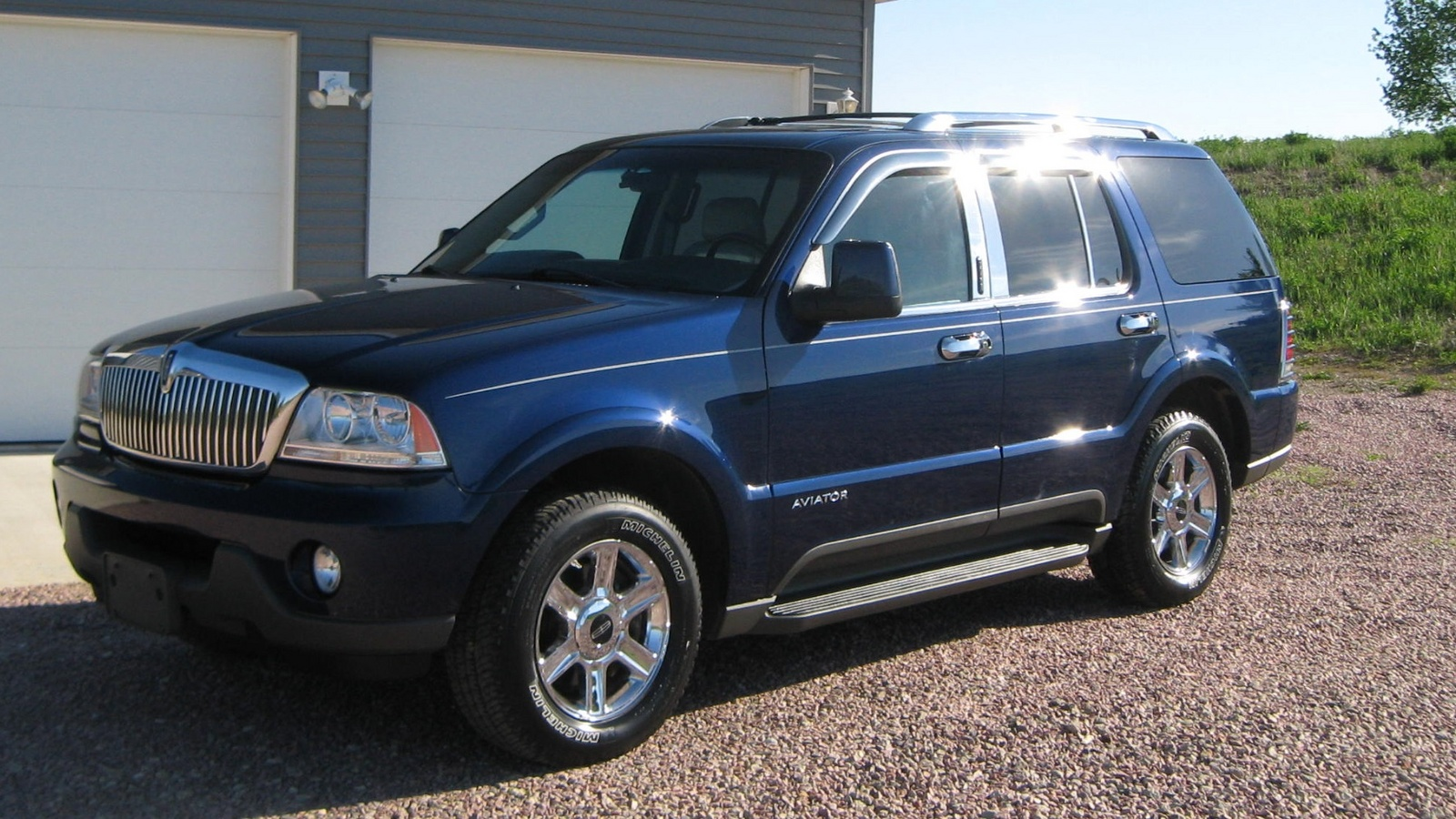 2004 lincoln aviator exterior pictures cargurus. Black Bedroom Furniture Sets. Home Design Ideas