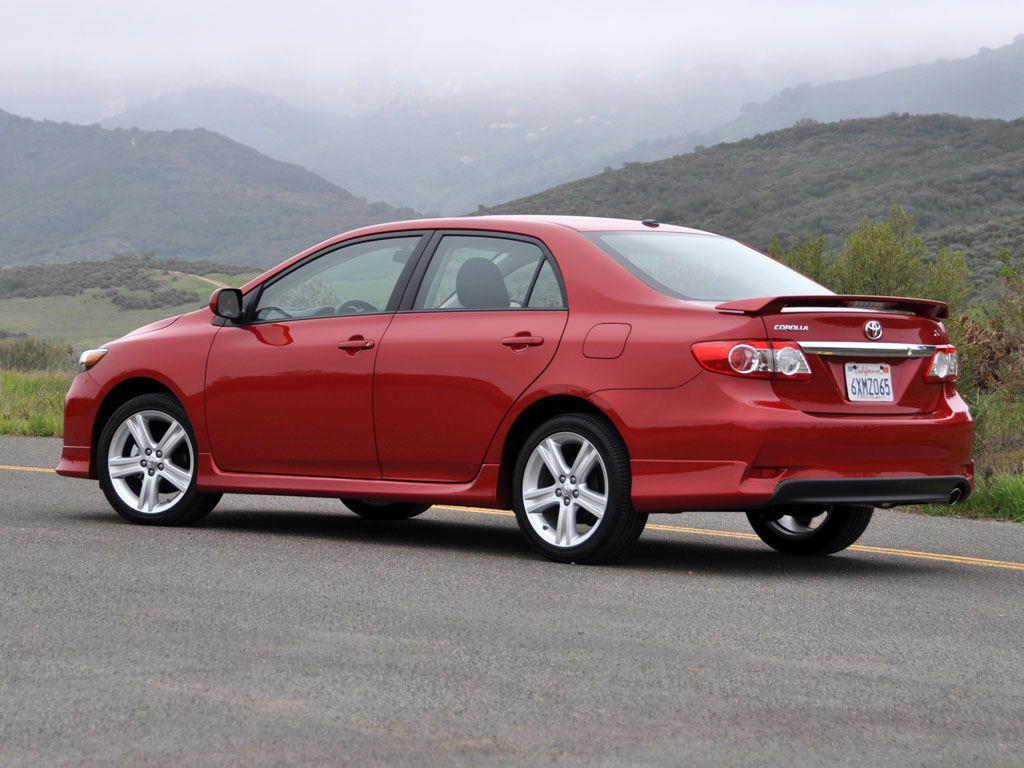 2013 toyota corolla test drive review cargurus. Black Bedroom Furniture Sets. Home Design Ideas