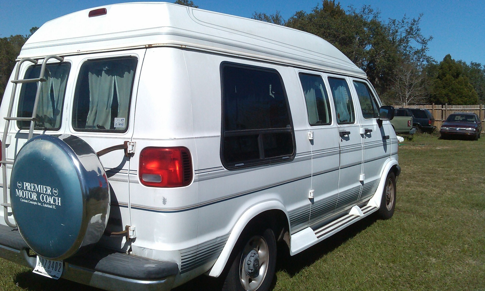 Picture of 1994 Dodge Ram Wagon 3 Dr B250 LE Passenger Van Extended