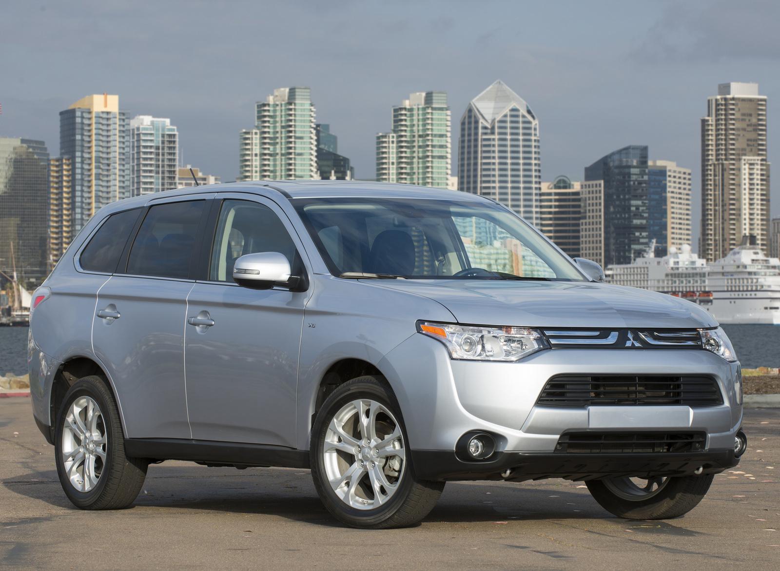 2014 Mitsubishi Outlander, Front-quarter view, exterior, manufacturer