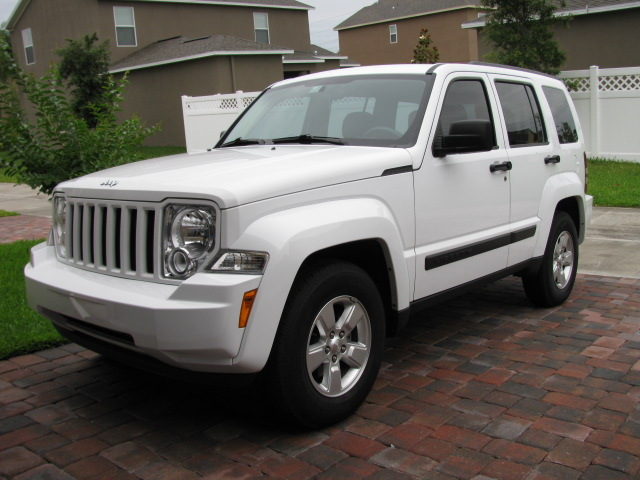 2011 jeep liberty pictures cargurus. Black Bedroom Furniture Sets. Home Design Ideas