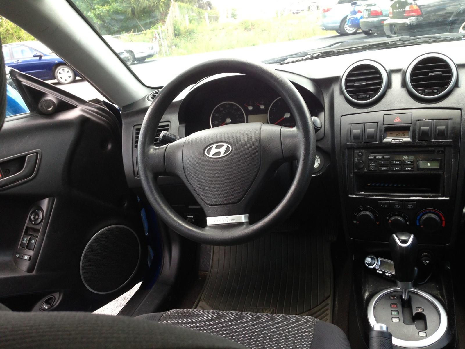 2005 Hyundai Tiburon Interior Pictures Cargurus