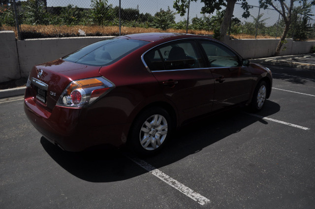Picture of 2011 Nissan Altima