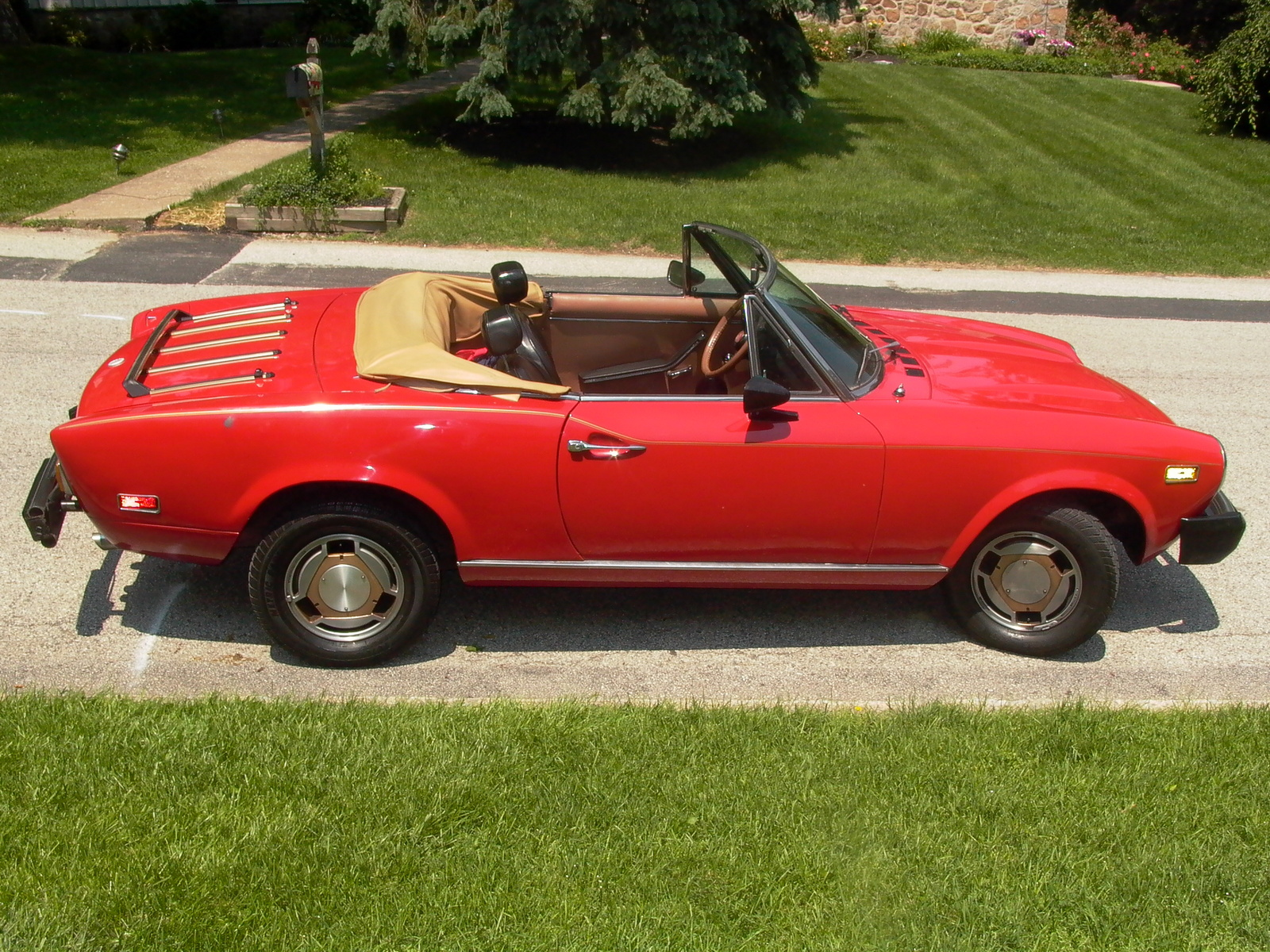 1985 fiat 124 spider overview cargurus. Black Bedroom Furniture Sets. Home Design Ideas