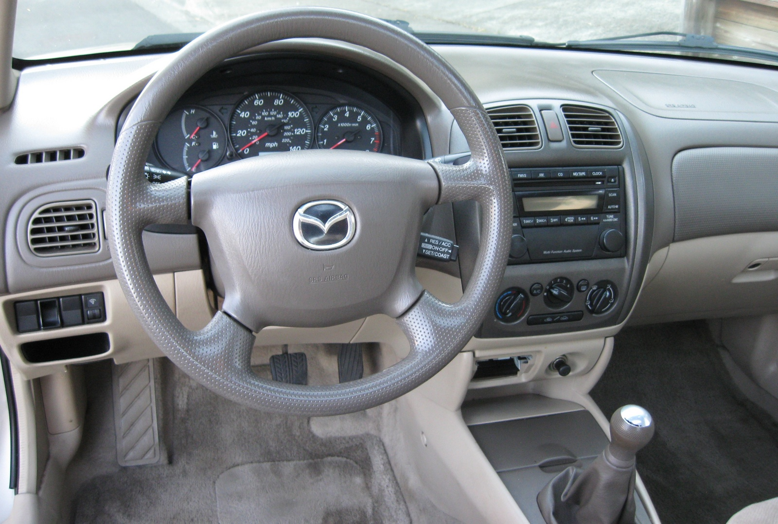 Picture of 2001 Mazda Protege LX 2.0, interior