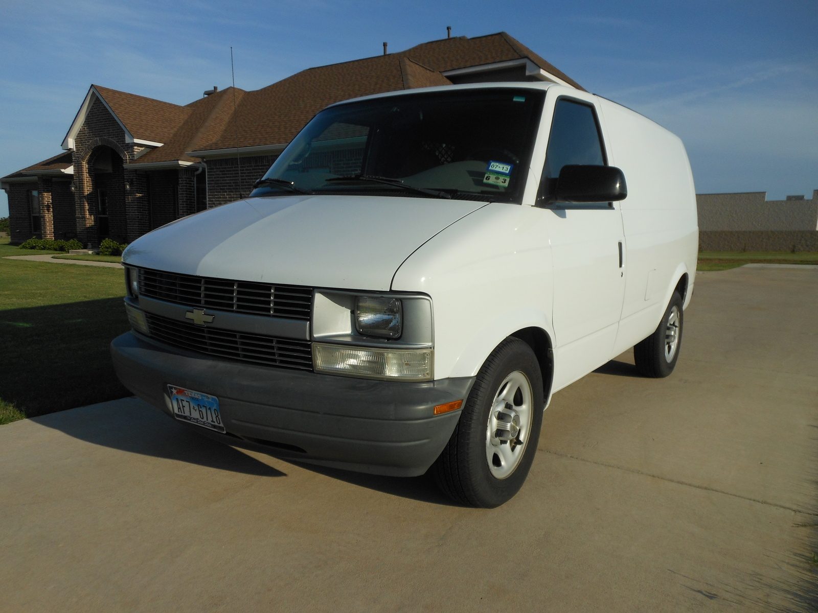 2005 chevrolet astro cargo van overview cargurus. Black Bedroom Furniture Sets. Home Design Ideas