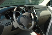 Picture of 2004 Toyota Highlander Limited V6, interior