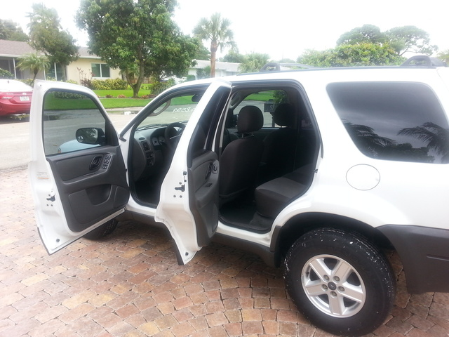 Picture of 2003 Ford Escape XLS FWD, interior, gallery_worthy
