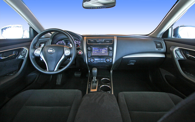 2013 Nissan Altima, Dashboard and front seats, interior