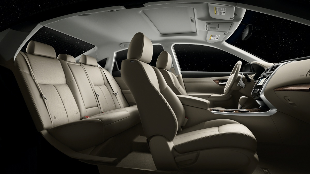 2013 Nissan Altima, Seats, interior