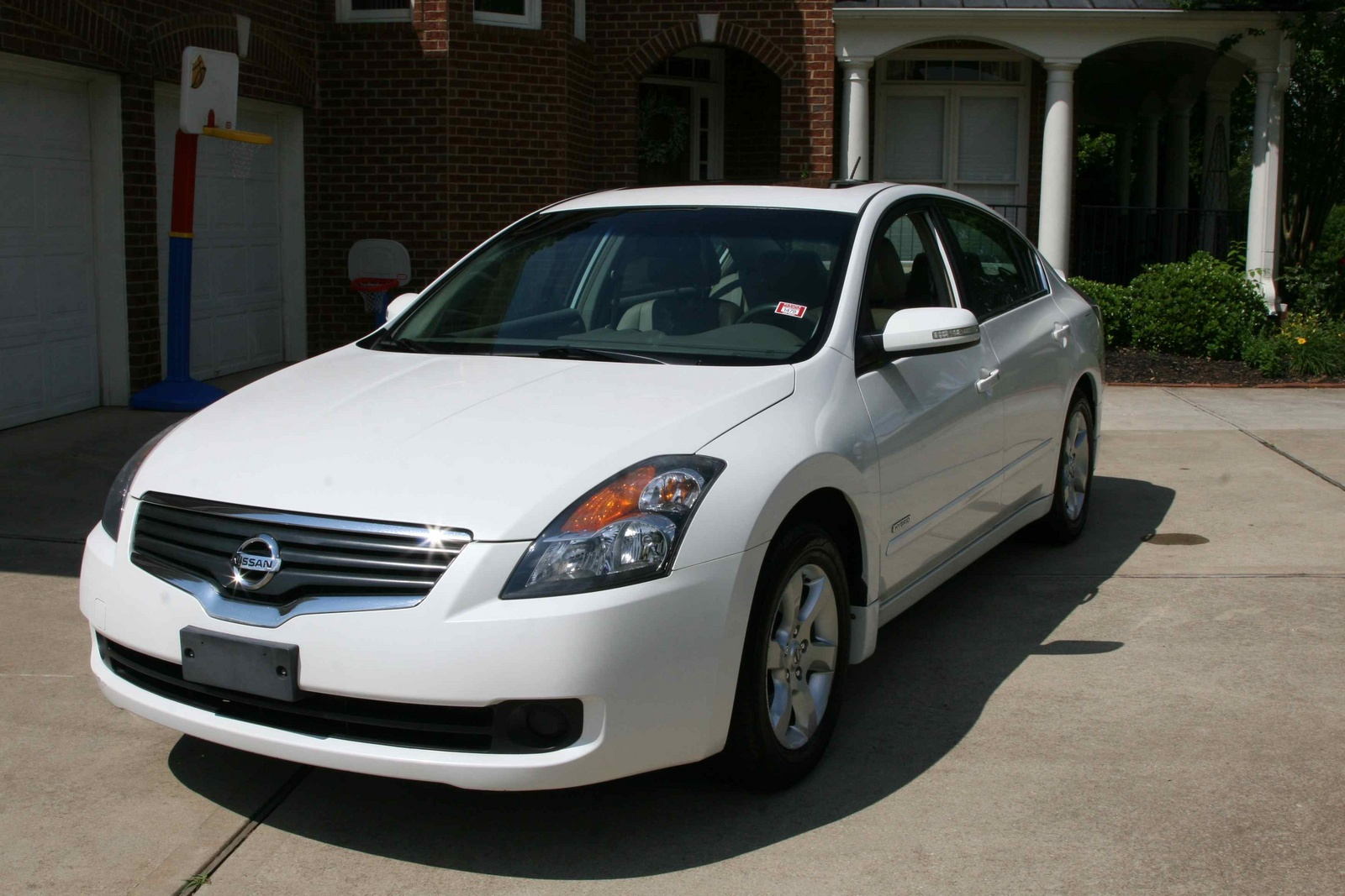 Sentra also 2013 Toyota Prius Color Chart together with 195544 Lexus Ls 4th Gen Paint Codes And Media Archive moreover 2012 Nissan Altima Pictures C22935 pi36365617 in addition Lamborghini Aventador Roadster Chega Em Junho. on 2013 nissan maxima interior