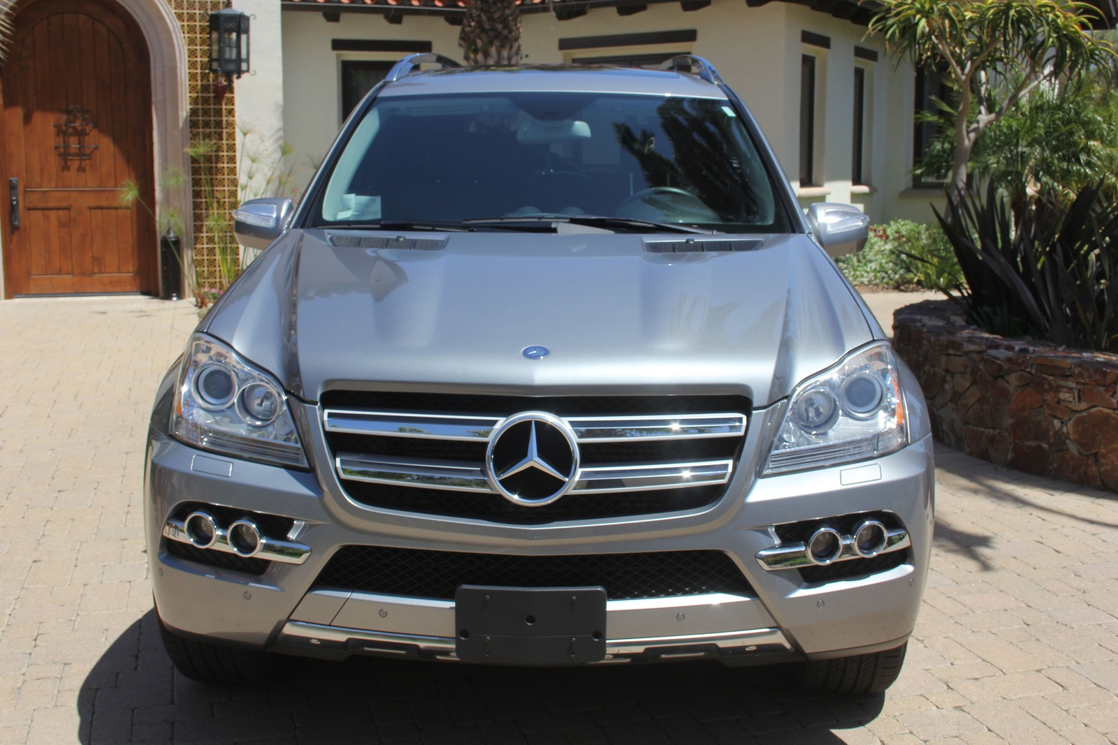 Masina service piese mercedes gl 2010 for Pros and cons of owning a mercedes benz