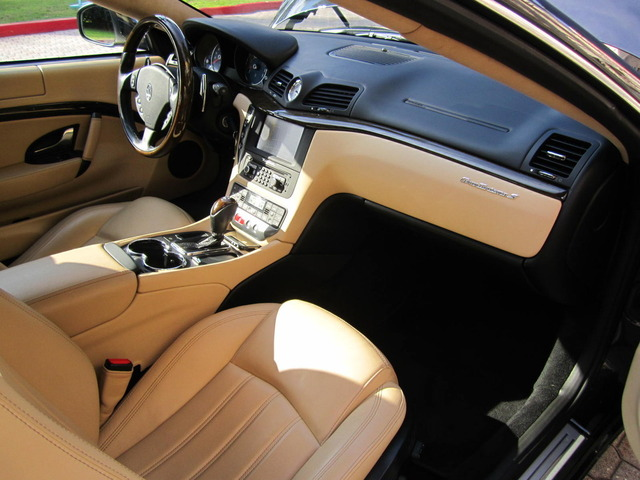 2009 maserati granturismo interior pictures cargurus for Maserati granturismo s interieur