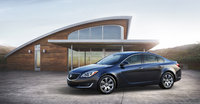 2014 Buick Regal, Front-quarter view. Copyright General Motors, exterior, manufacturer