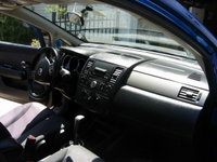 Picture of 2009 Nissan Versa SL Hatchback, interior