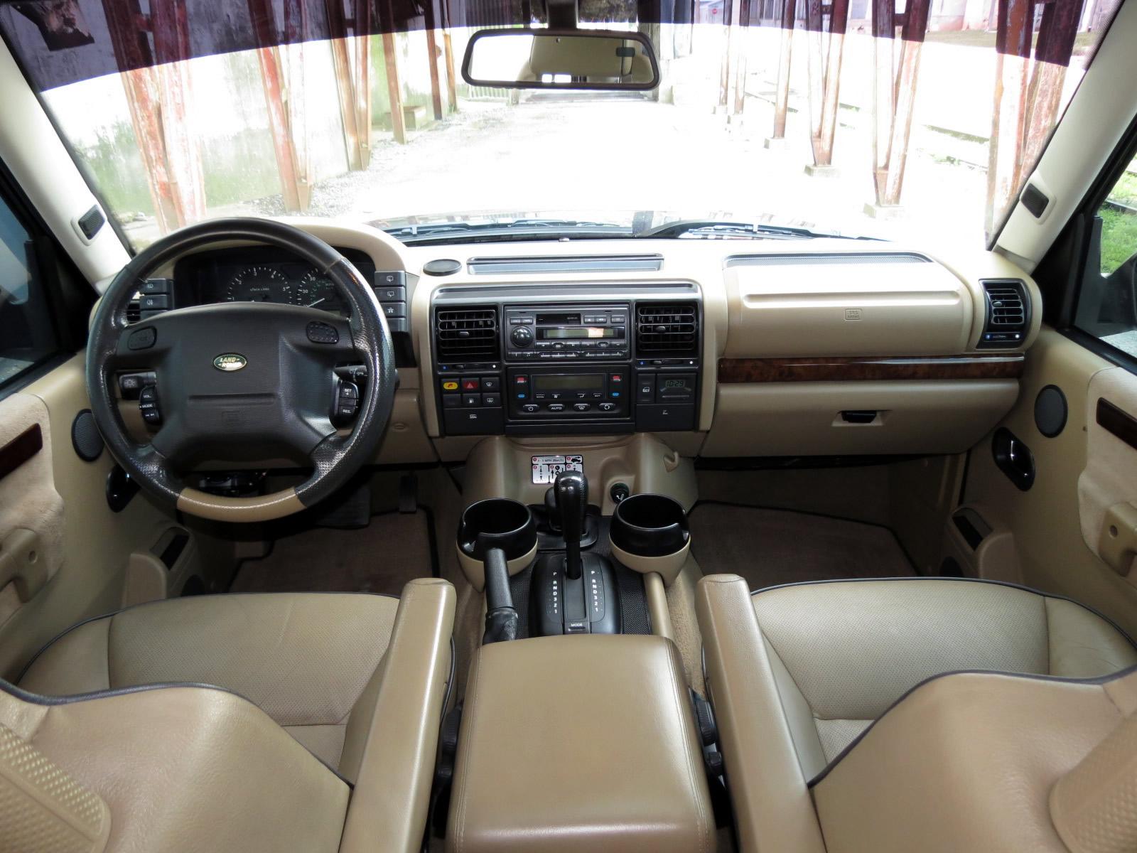 Land rover discovery 2002 interior for Land rover 2000 interior