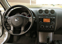 Picture of 2010 Nissan Altima 3.5 SR, interior, gallery_worthy