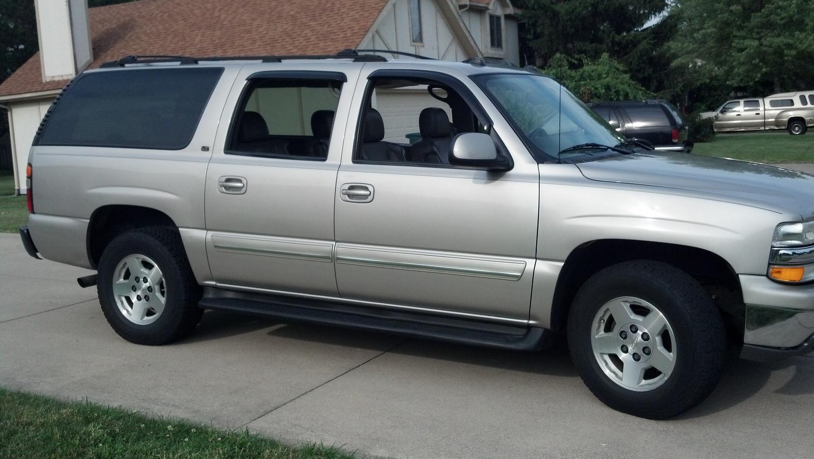 19 2004 Chevrolet Suburban Lt 1500 2002 Chevrolet