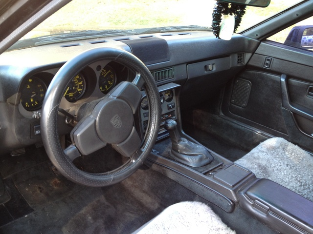 Picture of 1985 porsche 944 std hatchback interior for Porsche 944 interieur