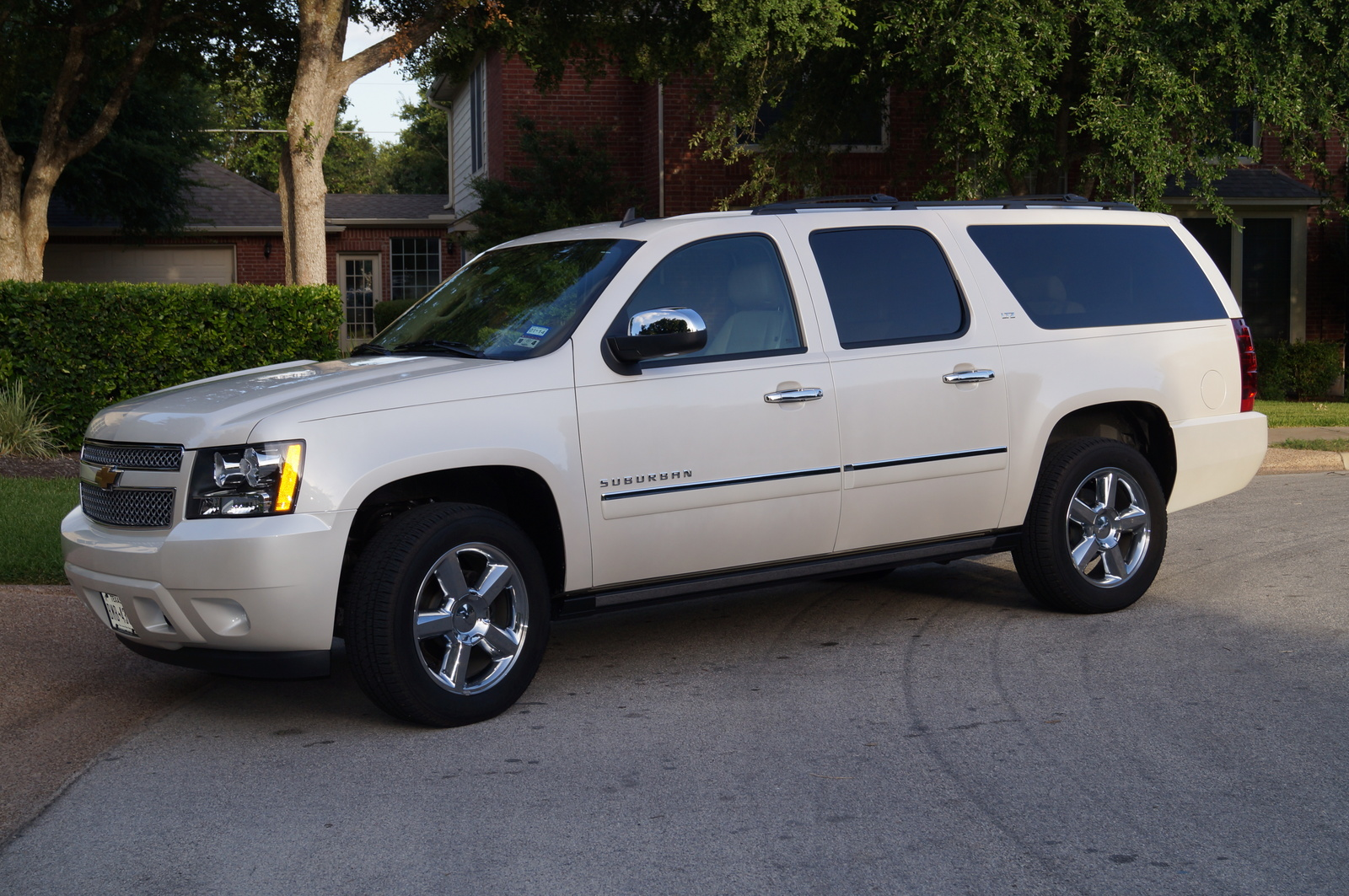 2013 chevrolet suburban review cargurus. Black Bedroom Furniture Sets. Home Design Ideas