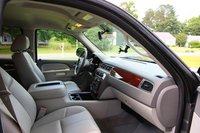 Picture of 2010 Chevrolet Suburban LT 2500 4WD, interior