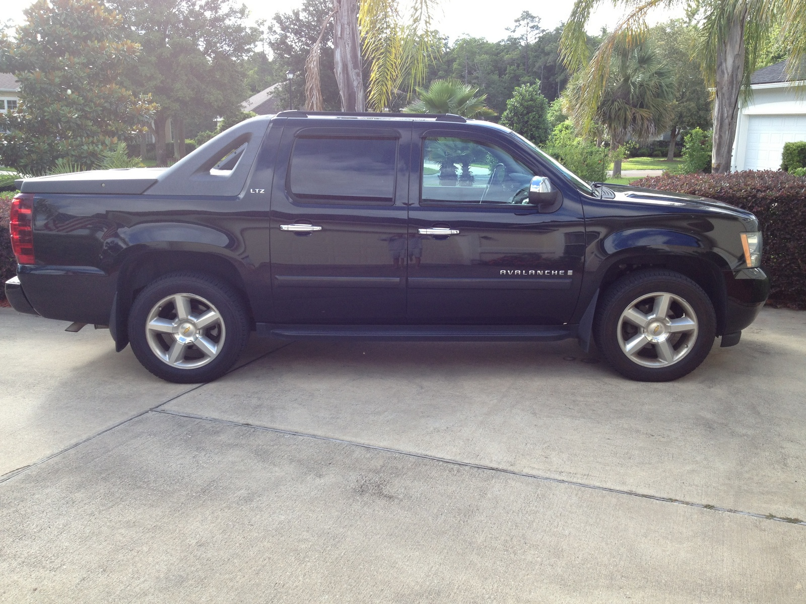 2010 chevy avalanche z71 specs autos post. Black Bedroom Furniture Sets. Home Design Ideas