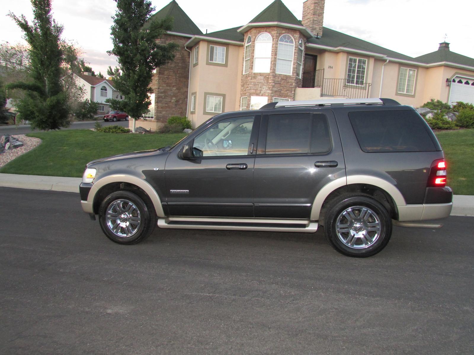 2007 Ford Explorers Eddie Bauer