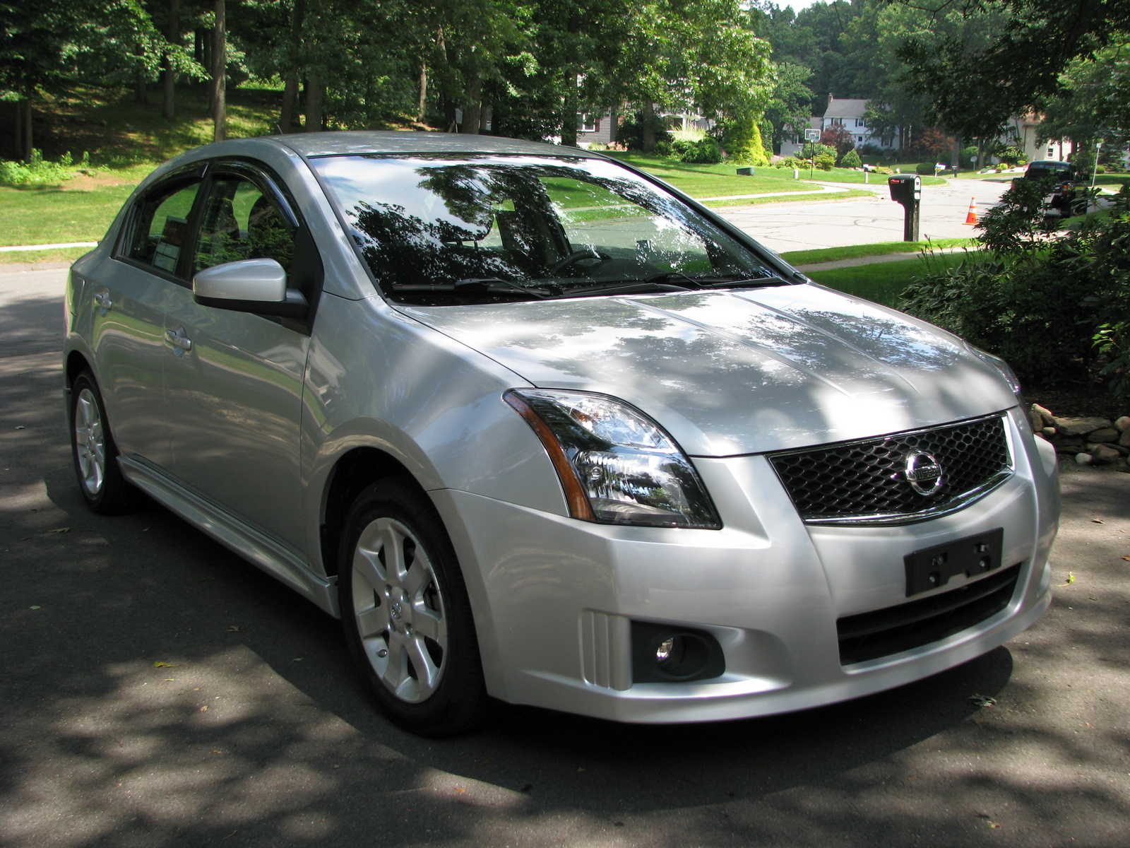 2012 nissan sentra pictures cargurus. Black Bedroom Furniture Sets. Home Design Ideas
