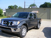 Picture of 2010 Nissan Frontier LE Crew Cab 4WD, exterior