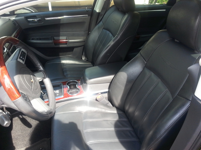 Picture of 2009 Chrysler 300 C HEMI, interior, gallery_worthy