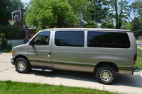 2002 Ford Econoline Wagon Overview
