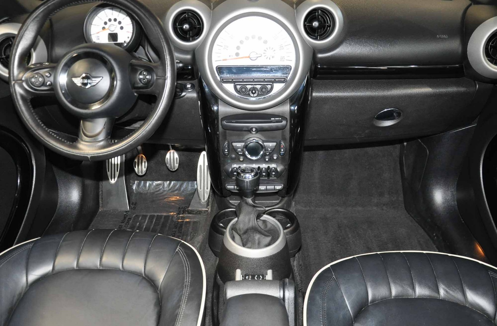 Picture of 2011 MINI Countryman S, interior