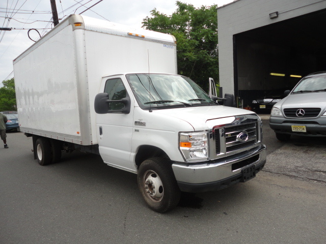 Picture of 2012 Ford E-Series E-350 Super Duty Cargo Van, exterior, gallery_worthy
