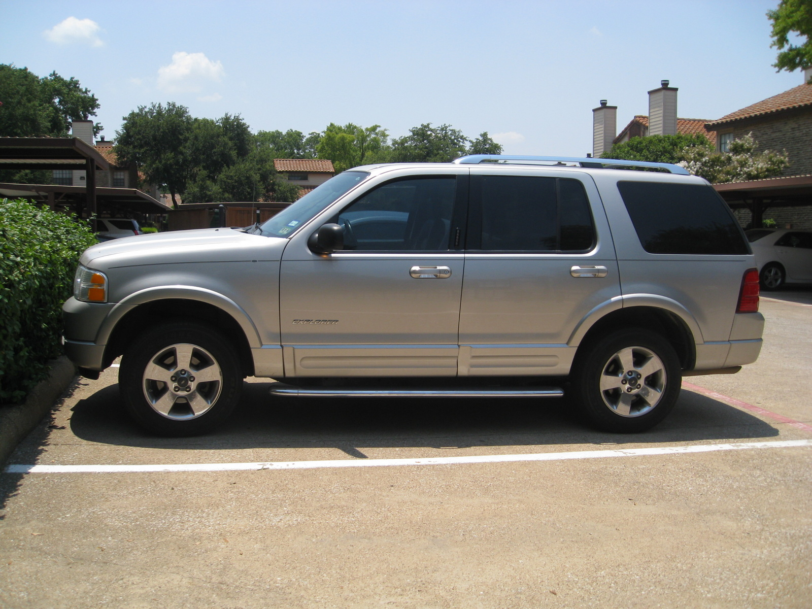 used 2004 ford explorer for sale pricing features. Black Bedroom Furniture Sets. Home Design Ideas