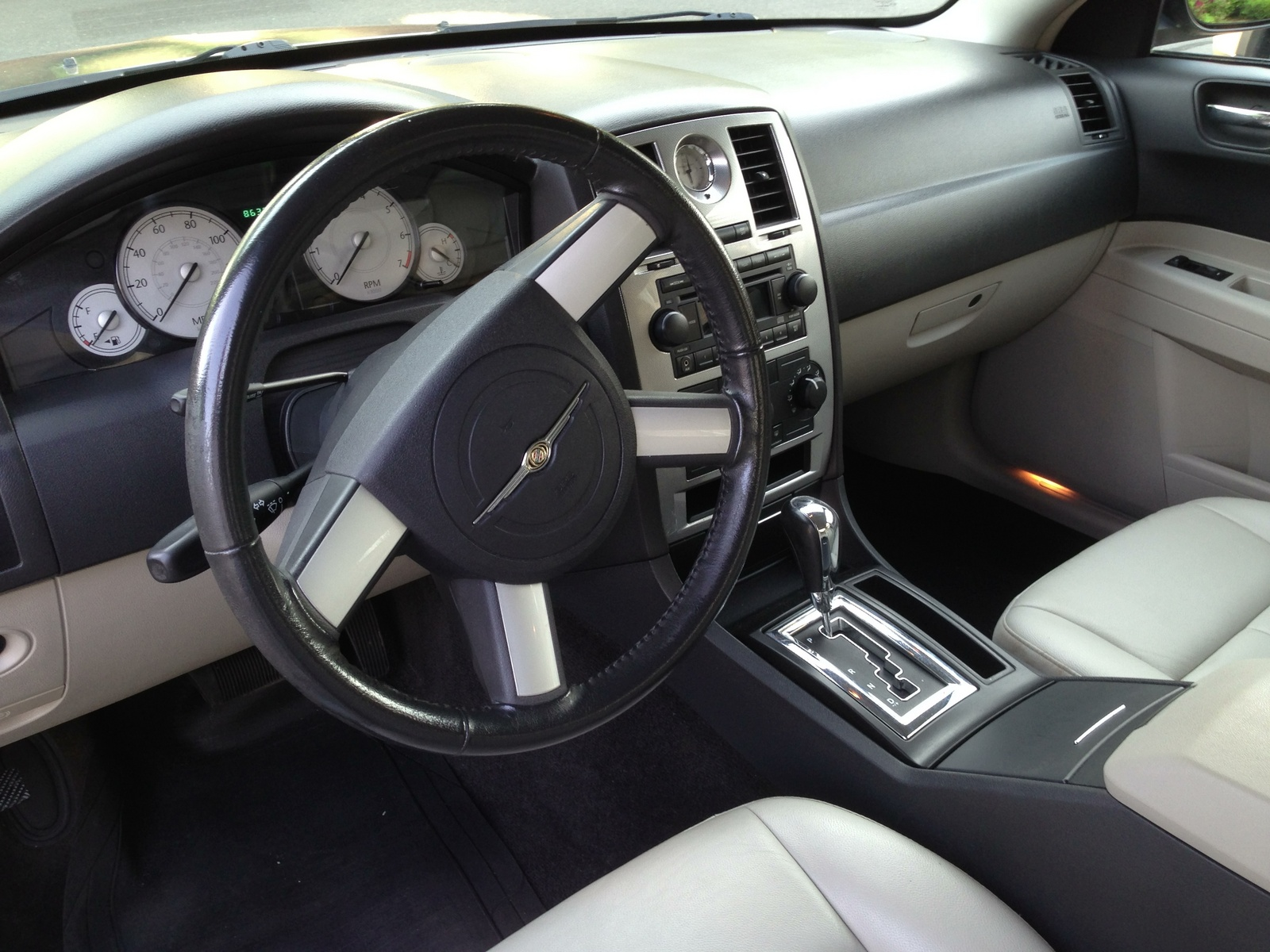 2006 chrysler 300 pictures cargurus - 2007 chrysler 300 custom interior ...