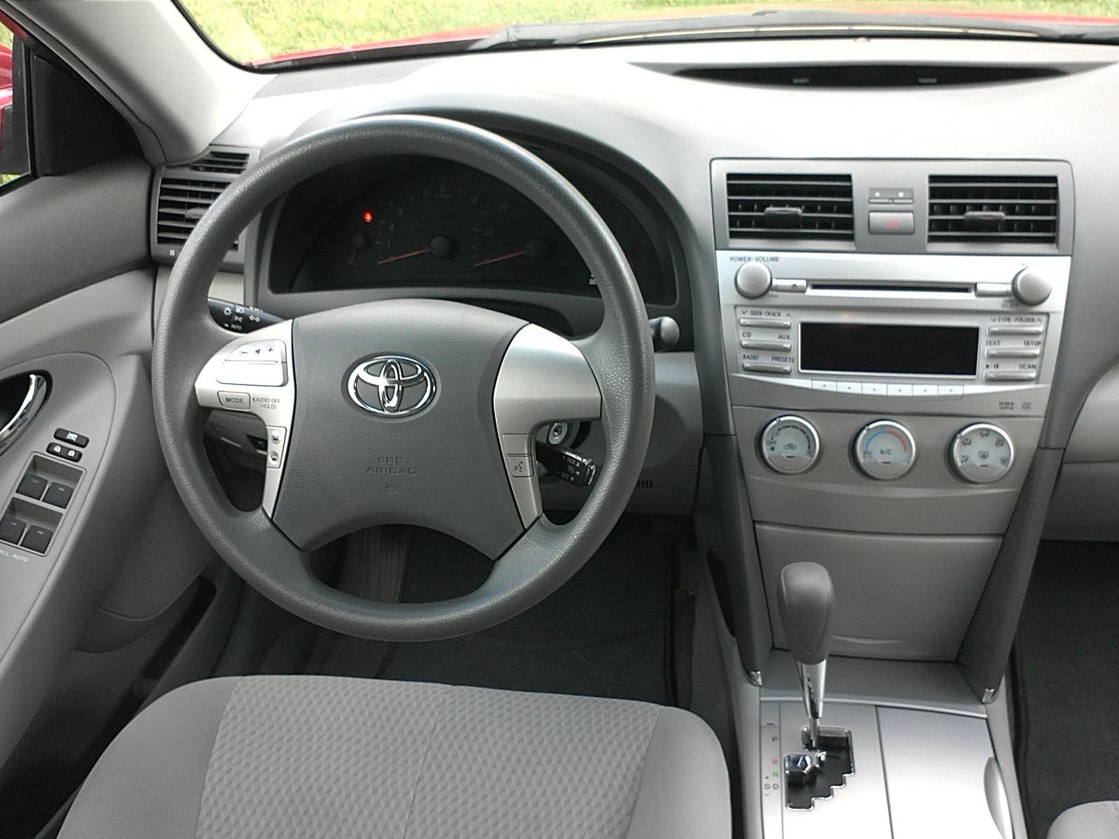 2011 Toyota Camry - Interior Pictures - CarGurusCarGurus