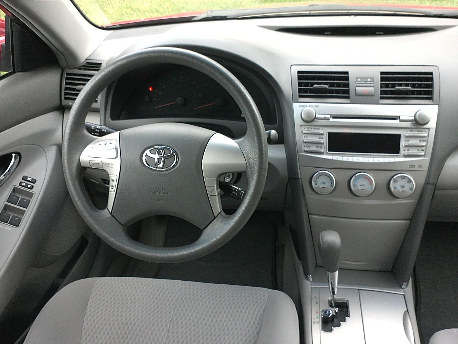 2011 Toyota Camry - Interior Pictures