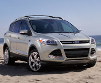 2014 Ford Escape, Front-quarter view. Copyright Ford Motor Co., exterior, manufacturer, gallery_worthy