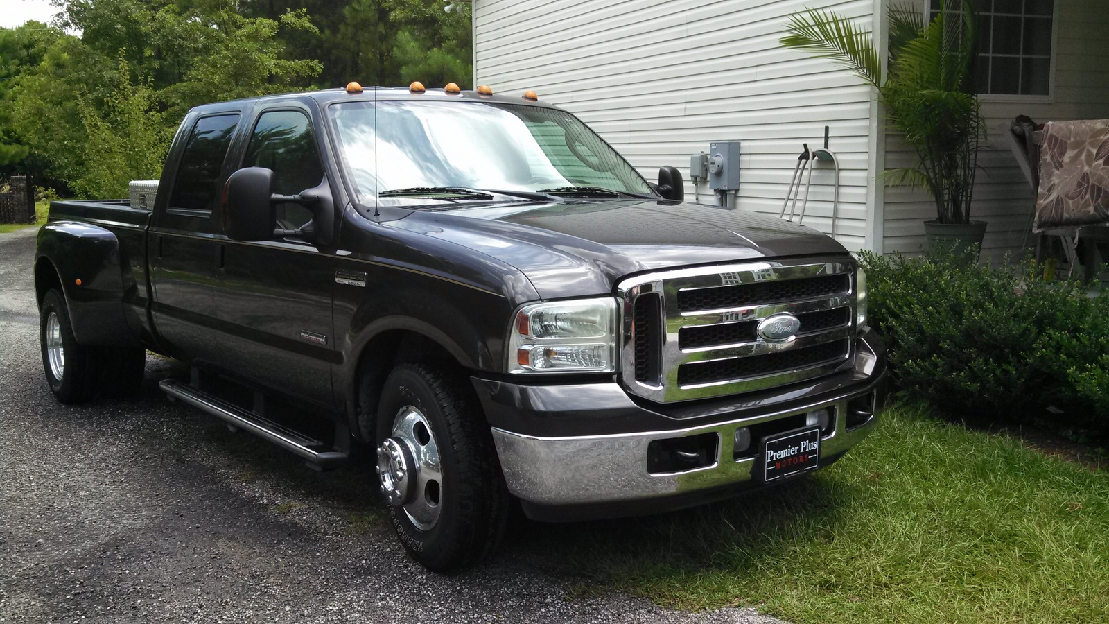 2013 Ford Super Duty F 350 Lariat The 2013 Ford Super Duty