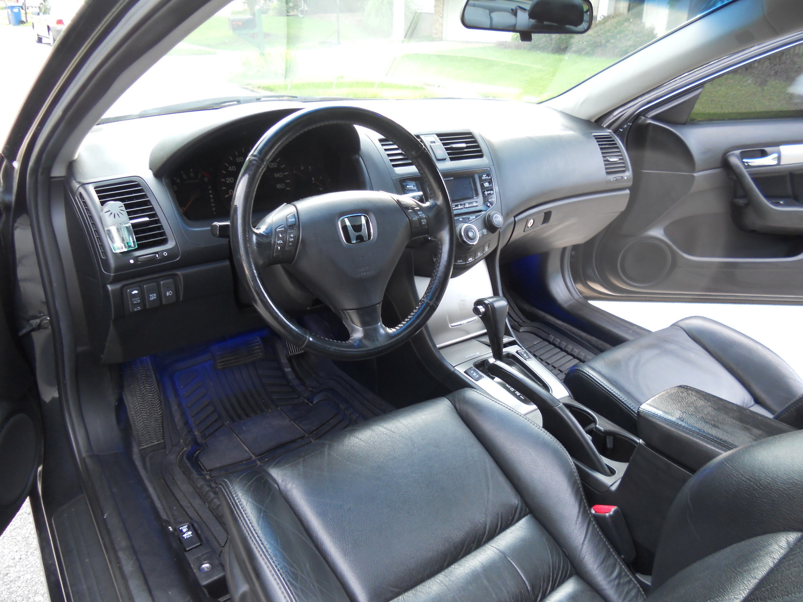 2005 honda accord interior pictures cargurus. Black Bedroom Furniture Sets. Home Design Ideas